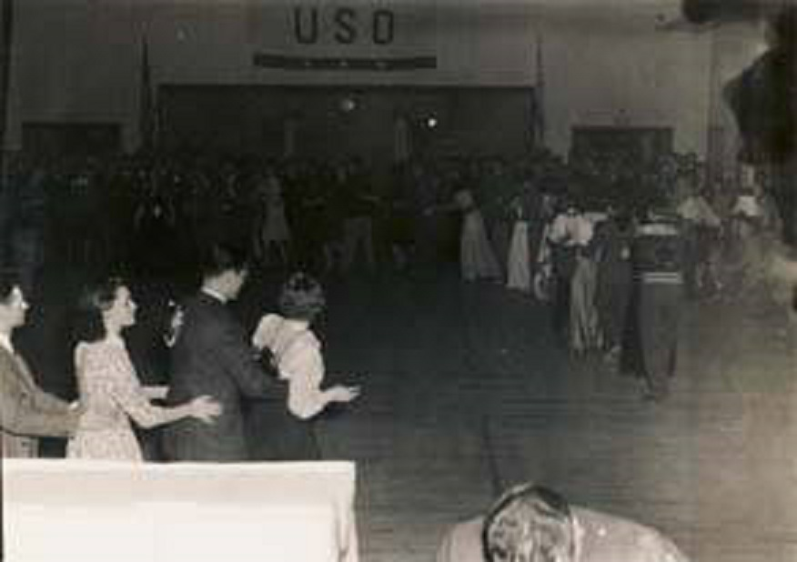 Conga_line_at_the_South_American_party2_held_by_the_USO_club_in_Talladega_Alabama