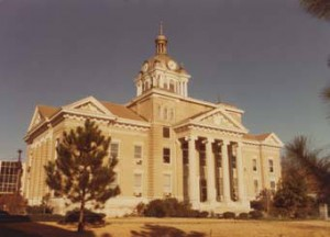 Fayette_County_courthouse_in_Fayette_Alabama