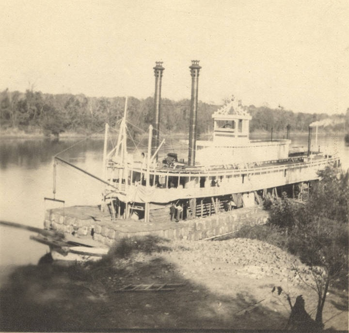 Steamboat John Quill at Deer's Landing in Claiborne, Alabama (Alabama Department of Archives and History)