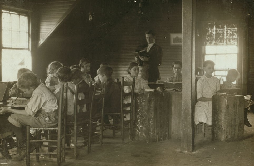 Mill School at the Merrimack Mills, Huntsville, Alabama 1910 Lewis Wickes Hines