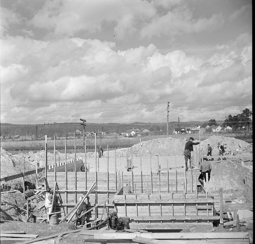 Slagheap - Construction of the sewage disposal plant. Slagheap Village, Alabama 1937 Arthur Rothstein