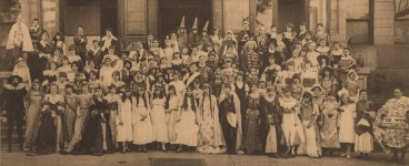 Here's some interesting photographs from early 1900s of people around Birmingham
