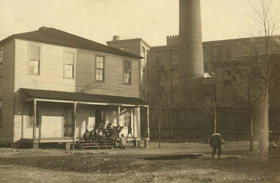 The Mill School at Avondale, Birmingham, Alabama Nov. 1910 Lewis Wickes Hine