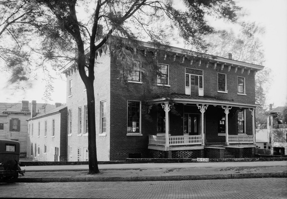 W. N. Manning, Photographer, April 19, 1934. FRONT (GENERAL VIEW) - Figh-Pickett House, 14 Clayton Street, Montgomery, Montgomery County, AL
