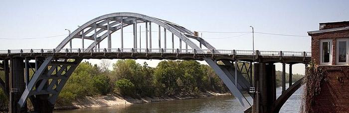 pettus, edmund bridge