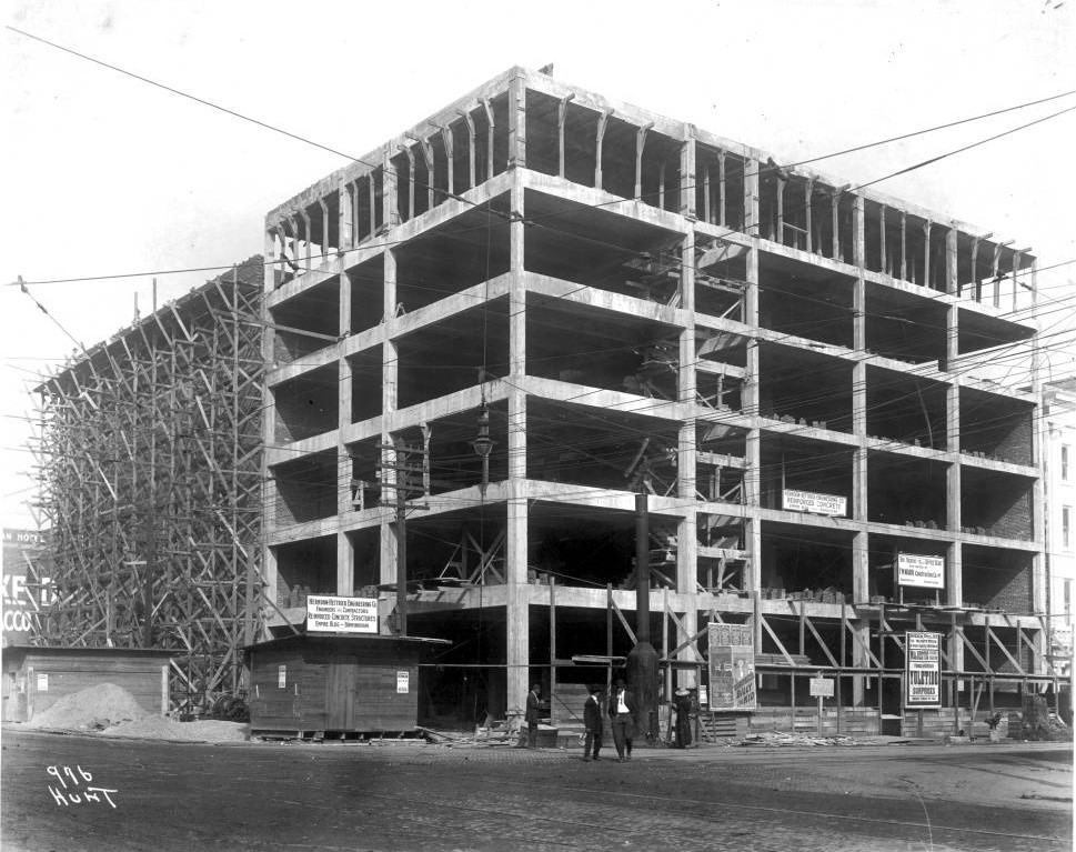 Lyric Theater under construction in 1912 (photograph by Oscar V. Hunt - Birmingham Public Library)