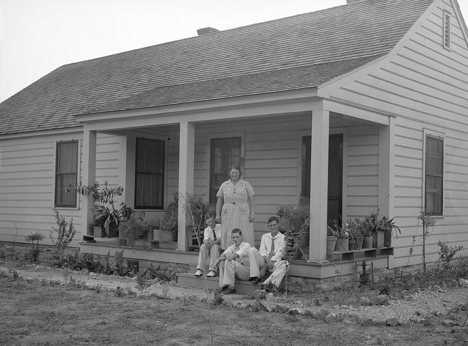 Parmerdale Five-room house and family at the Palmerdale Homesteads near Birmingham, Alabama 1936 Walker Evans