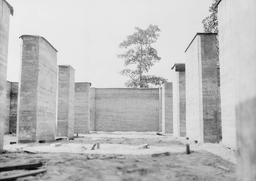 Rammed earth construction near Birmingham, Alabama 1937 Thomas Hibben2