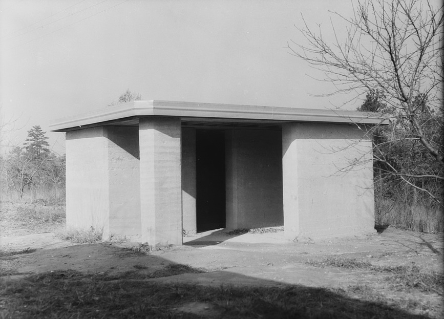 Rammed earth pump house near Birmingham, Alabama Arthur Rothstein 1937