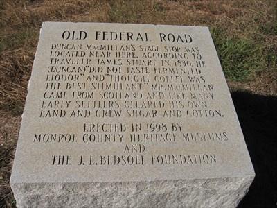 federal road marker