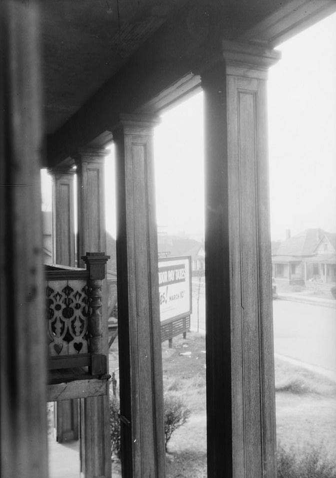 Alex Bush, Photographer, March 4, 1937 CLOSE-UP OF COLUMN ON FRONT - Benjamin Pinckney Worthington House, Sixth Avenue South, Birmingham, Jefferson County, AL