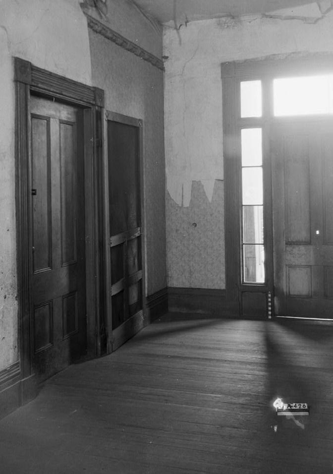 Alex Bush, Photographer, March 4, 1937 LOOKING NORTH IN MAIN HALL - Benjamin Pinckney Worthington House, Sixth Avenue South, Birmingham, Jefferson County, AL
