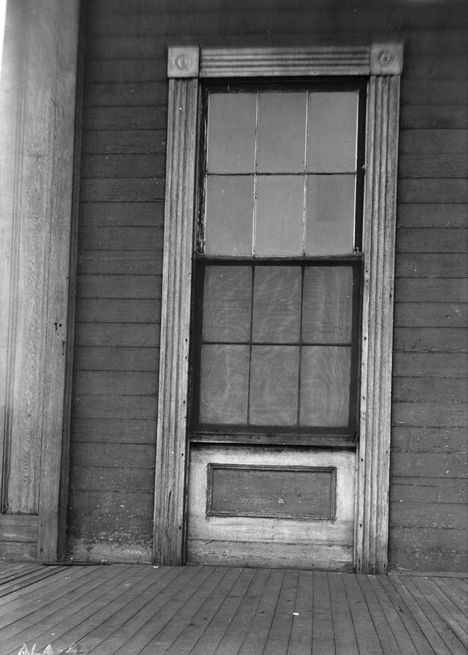 Alex Bush, Photographer, March 4, 1937 WINDOW DETAIL ON SOUTH WALL OF FRONT PORCH - Benjamin Pinckney Worthington House, Sixth Avenue South, Birmingham, Jefferson County, AL
