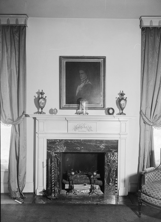 Arlington Alex Bush, Photographer, March 5, 1937 MANTEL ON WEST WALL OF PARLOR - Arlington Place, 331 Cotton Avenue, Southwest, Birmingham, Jefferson County, AL