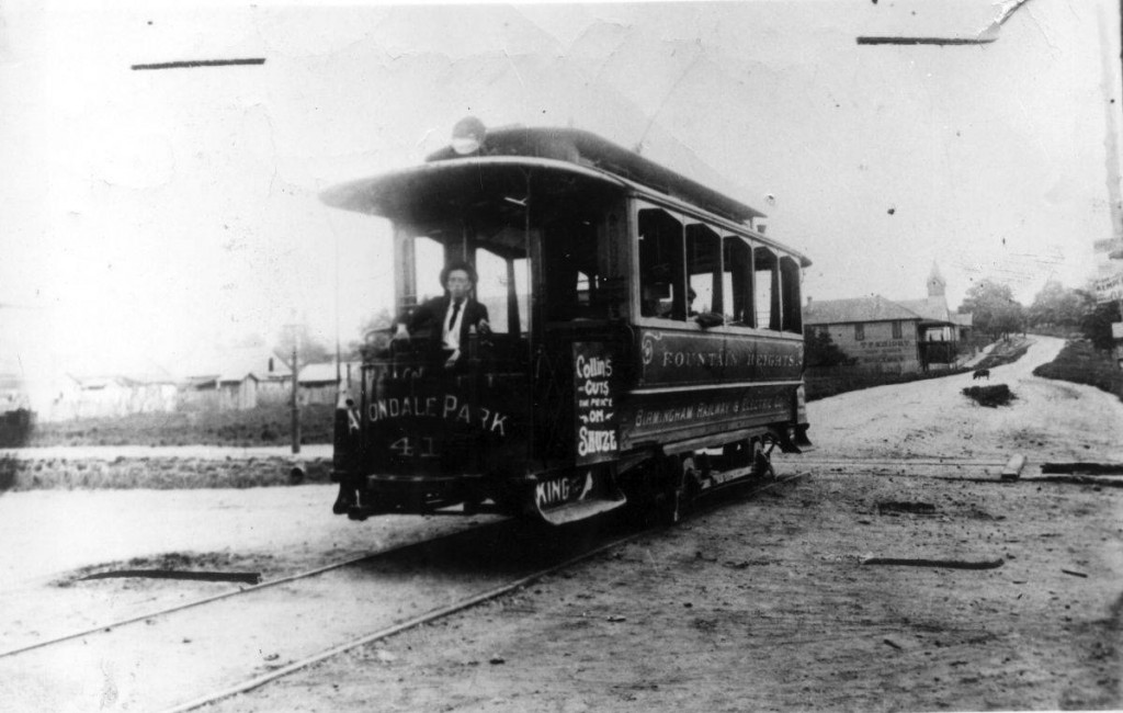 First_Avondale_streetcar