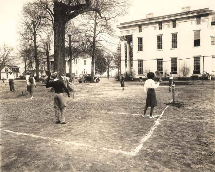 Students_playing_badminton_at_Stillman_Institute_Tuscaloosa_Alabama