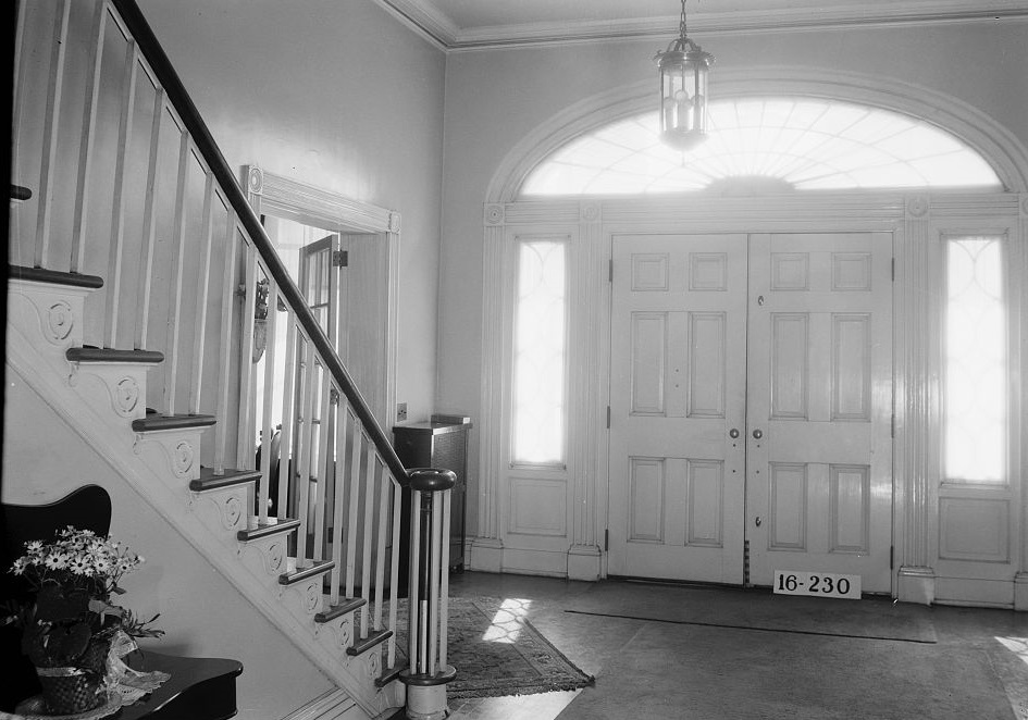 Dearing-Bagby house front hall 1939 by photographer Frances Benjamin Johnston (Library of Congress)