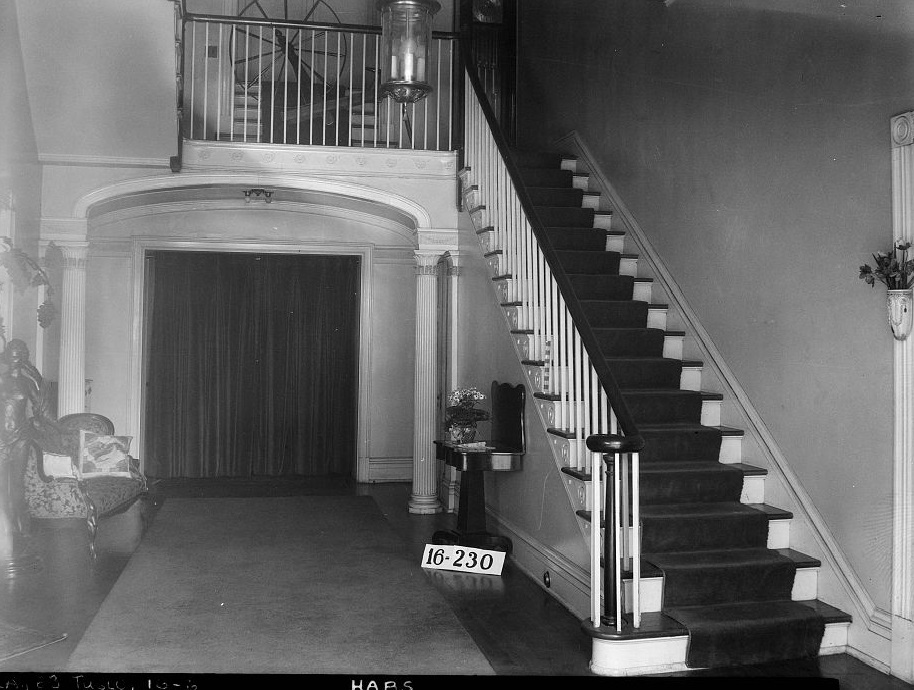 Dearing-Bagby house front hall and stairs 1939 by photographer Frances Benjamin Johnston (Library of Congress)