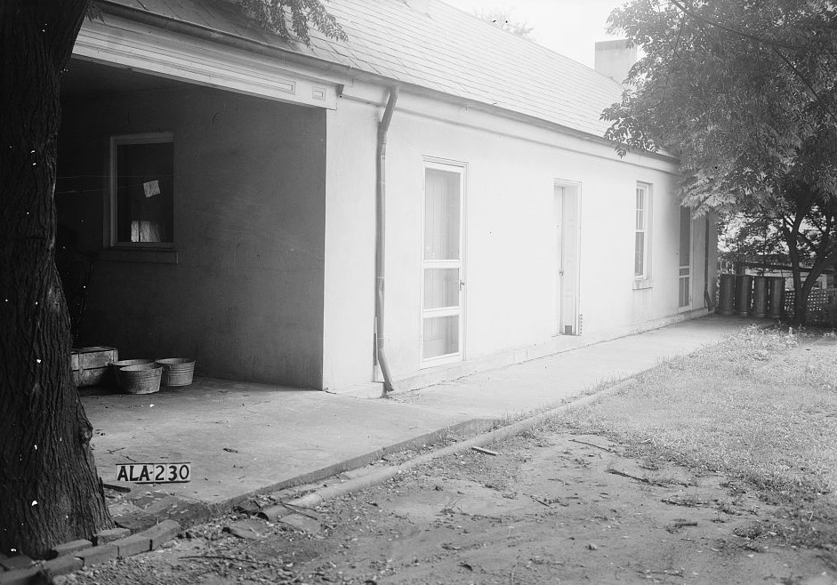 Dearing-Bagby house slave headquarters 1939 by photographer Frances Benjamin Johnston (Library of Congress)