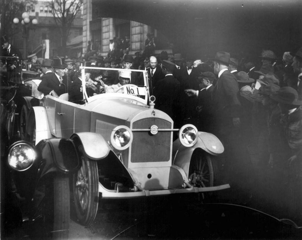 President_Warren_G_Harding_arriving_in_Premocar 1921 Birmingham 50th anniversary