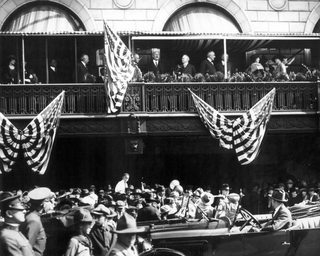 President_Warren_G_Harding_standing_on_the_Tutwiler_Hotel_balcony 50th Birmingham anniverasary birmingham library