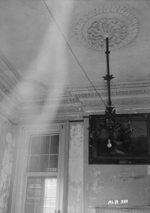 These photographs of this haunted house reveal some ghostly images