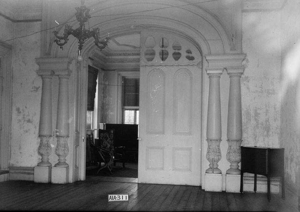 Rocky Hill Castle front hall by photographer Alex Bush 1935 (Library of Congress)