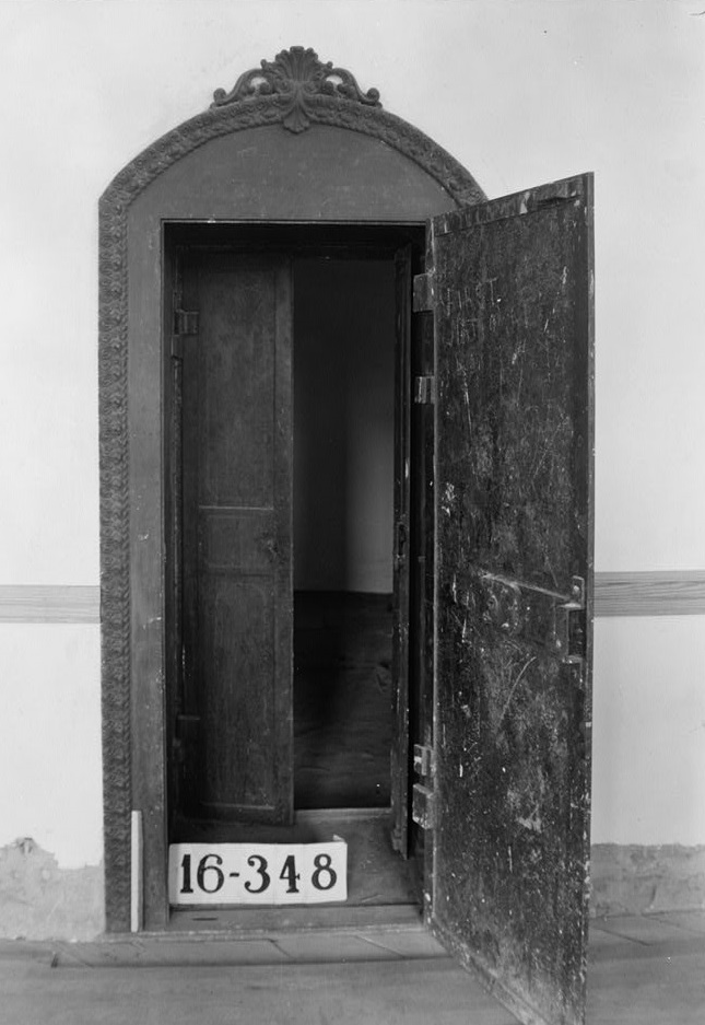 Vault Old State Bank, Decatur, Alabama ca. 1934 by photographer 1934 by photographer W. N. Manning (Library of Congress)