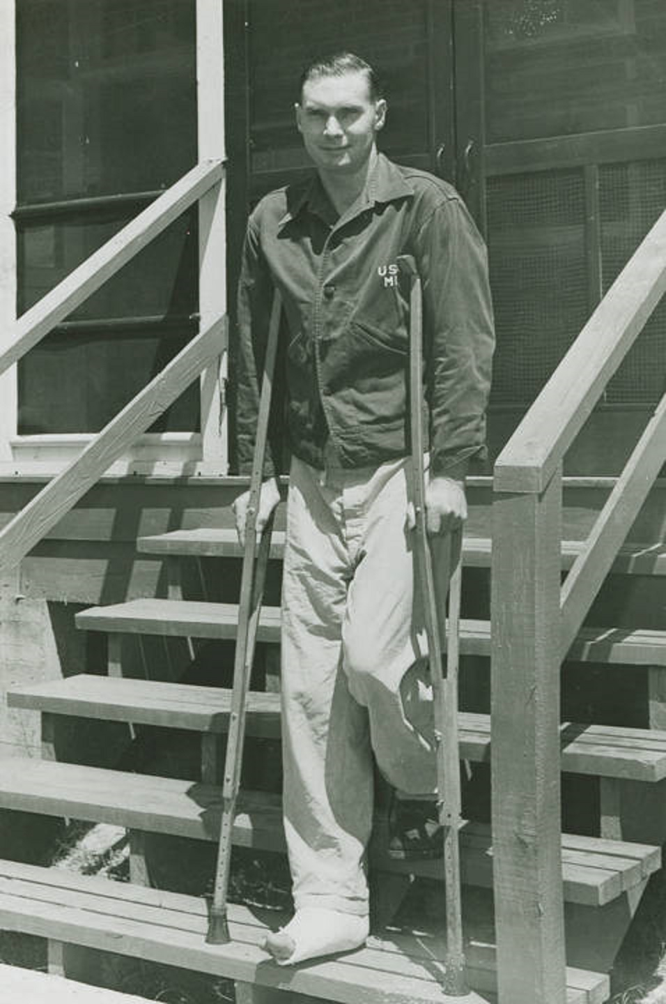 O To Ww Bing Comsquare Root 123: Photographs Of Wounded World War II Veterans In 1945 At
