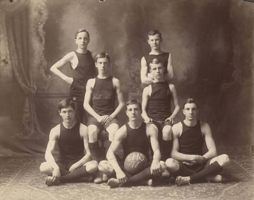 Boys' basketball team at Ensley High School in Ensley, Alabama 1910 Q5516