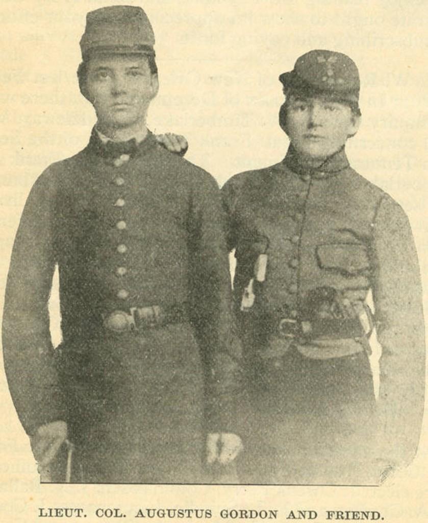 Lieutenant Colonel Augustus Gordon and friend (1860-1869) – Private Augustus M. Gordon and fellow private, Gordon later became lieutenant colonel of the 6th Alabama InfantryQ4172