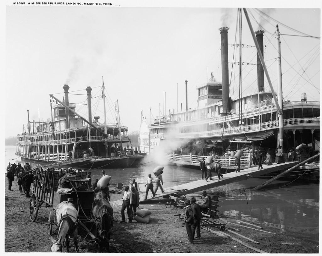 Riverboats_at_Memphis 1906