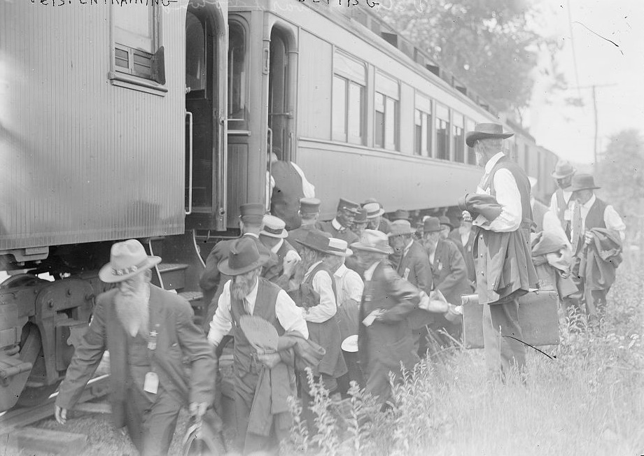 Veterans 1913 arriving (Library of congress)