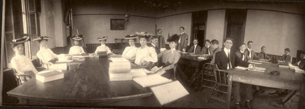Historical Seminary, of the Alabama Polytechnic Institute, Auburn. Students are sitting around long tables. Q4141