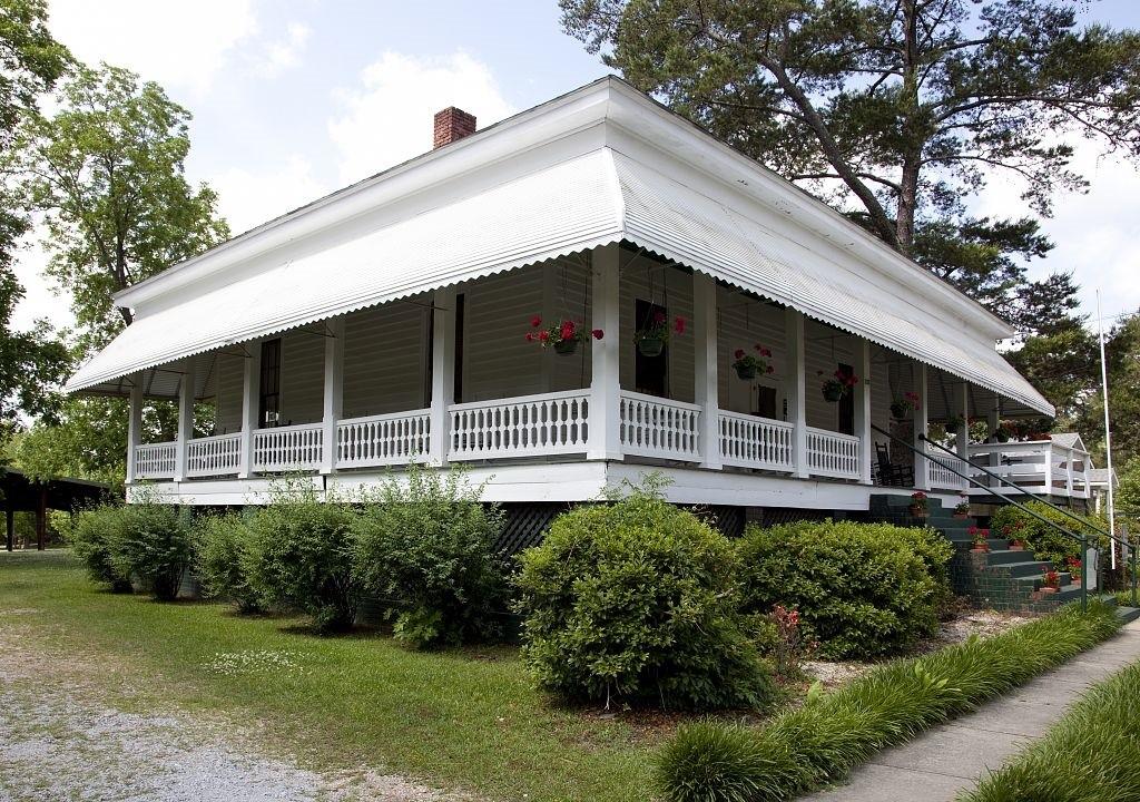 Boyhood home of Hank Williams Butler County2 by photographer Carol Highsmith 2010