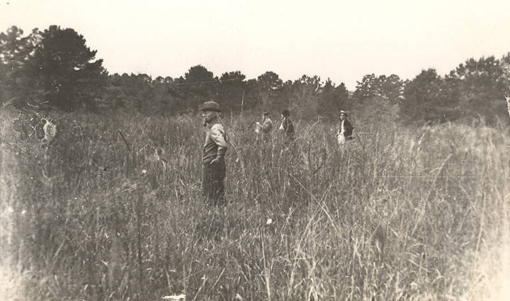 Fox hunters on the Alexander plantation in Barbour County, Alabama (ca. 1940) Q2264