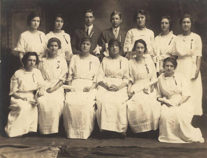 Graduating class at a public school in Blocton, Alabama ca. 1900-1919 –Q8851