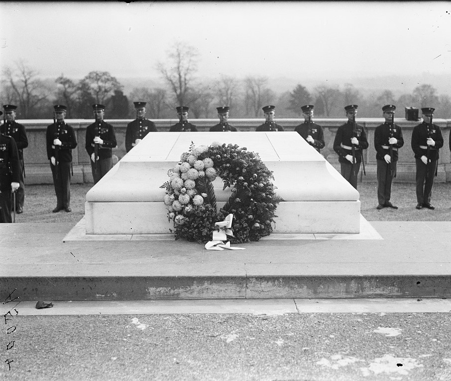 Armistice Day 1922 - tomb of unknown soldier Arlington