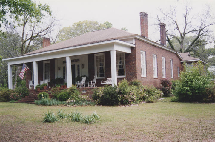 Oldfield_Powell_House_on_Peachburg_Road_County_Road_40_on_Chunnennuggee_Ridge_in_Union_Springs_Alabama
