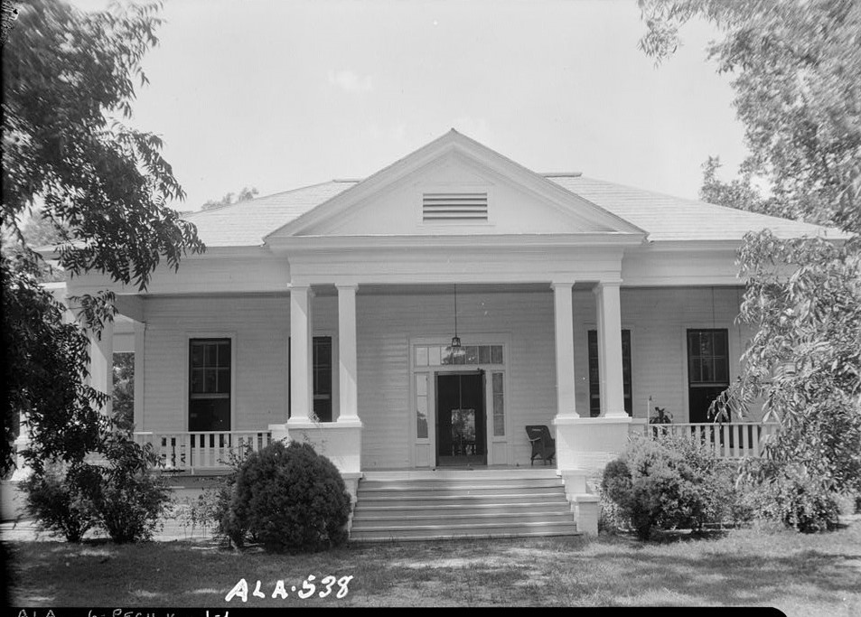 Sen.Thomas Sidney Frazier House, County Road 40, Peachburg, Bullock County, AL Walker-Frazier-Adams House July 17, 1935 (photographer W. N. Manning, Library of Congress)