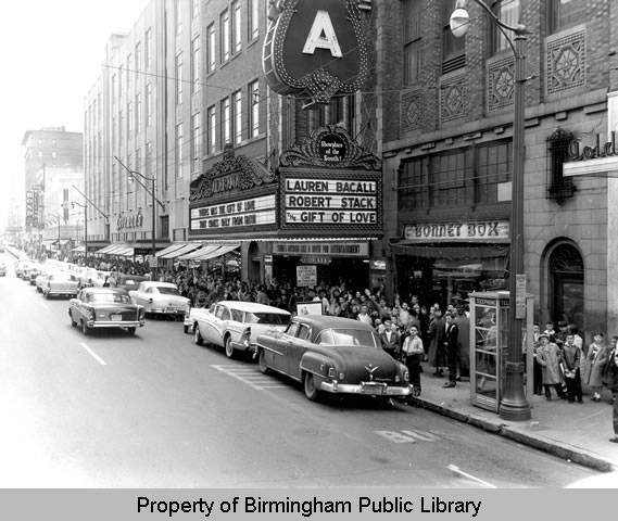 Alabama_Theatre_Gift_of_Love_marquee (1958)