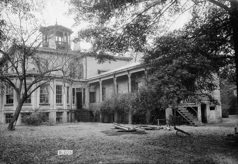 Jemison-Van de Graaf MansionAlex Bush, Photographer, December 20, 1934. Rear View. (East) South End. (Library of Congress)