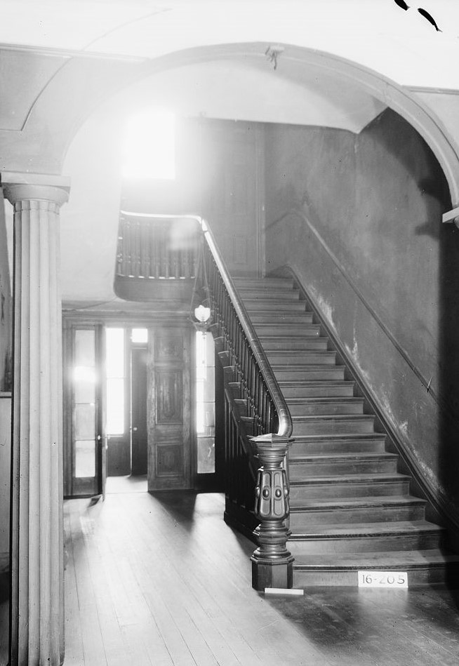 Jemison-Van de Graaf MansionAlex Bush, Photographer, December 20, 1934. Stairway and hall, Looking east from front door (Library of Congress)