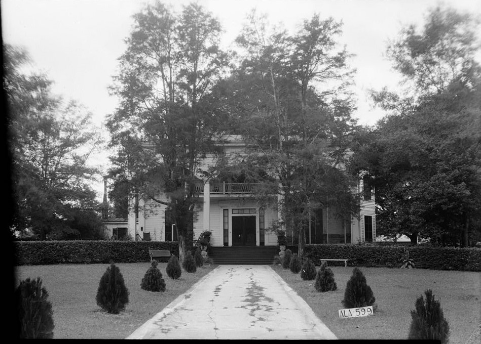 Mrs. Hugh Foster House, 201 Kennon Street, Union Springs, Bullock County, AL Laurel Hill July 17, 1935 front view east (photographer W. N. Manning, Library of Congress)