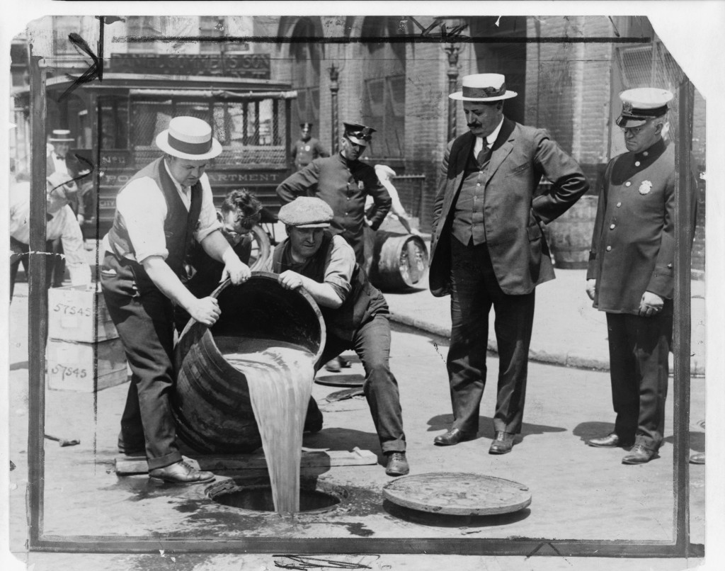 Dumping liquor New York (Library of Congress)