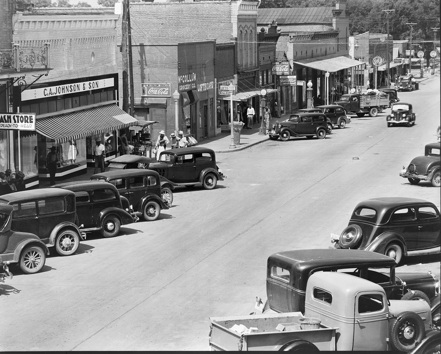 County seat of Hale County 1937 (Library of Congress)