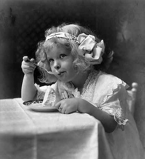 Ice cream - girl eating (Library of Congress) (2)