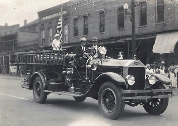 New fire engine for the fire department in Union Springs, Alabama. 1929 (Alabama Department of Archives and History)