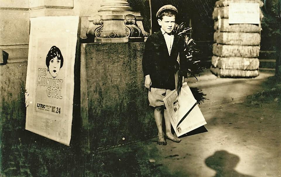 Newsboy 1915 Mobile, Alabama (Library of Congress) (2)