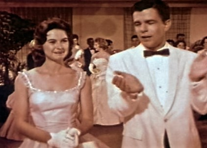 PATRON +  Oh, the memories! Do you remember your prom days? (vintage film)